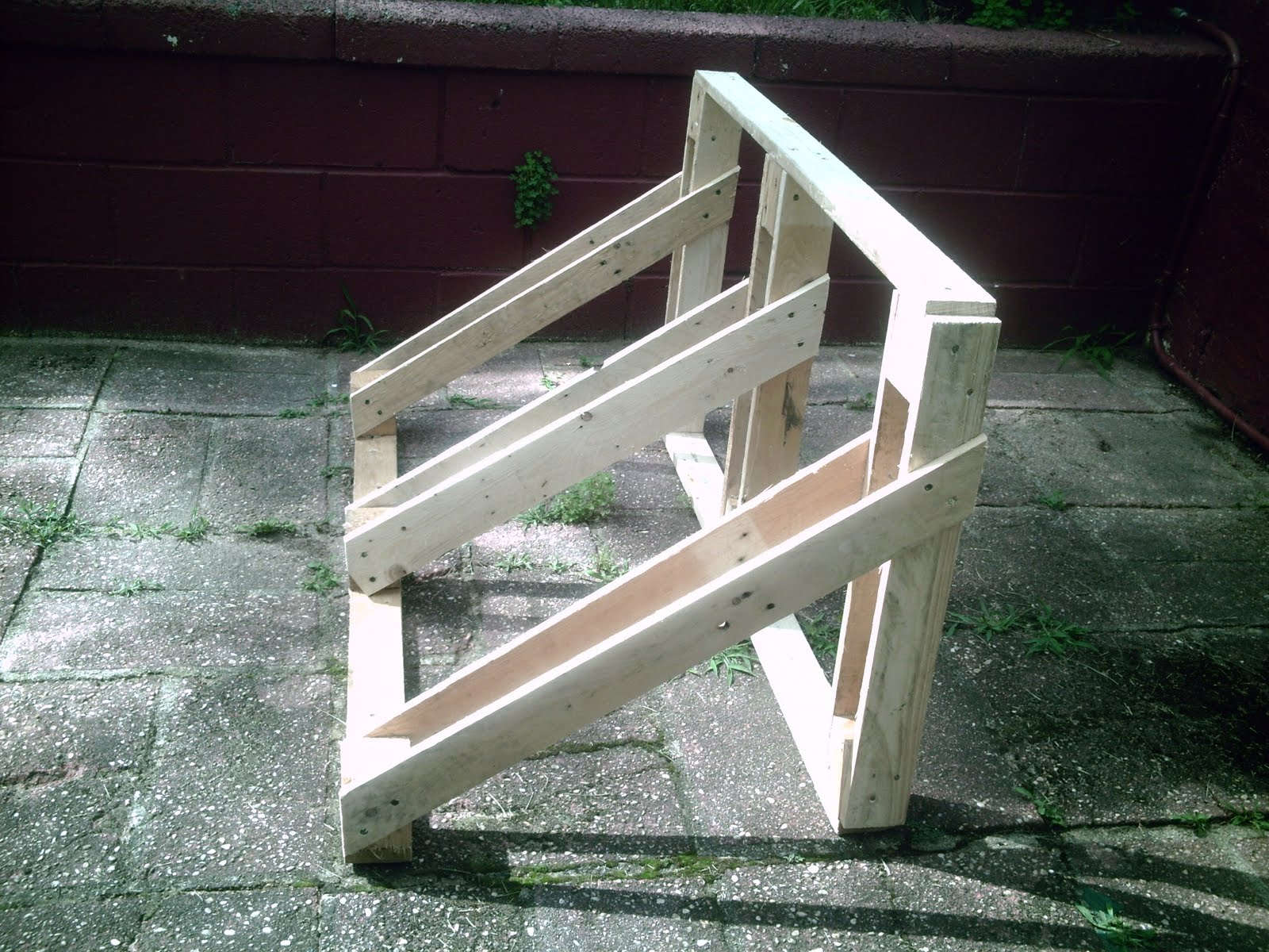 how to build a wooden bicycle rack